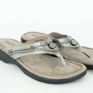 MINNETONKA Sandals Pewter FLIP FLOPS Sz 9 Silver